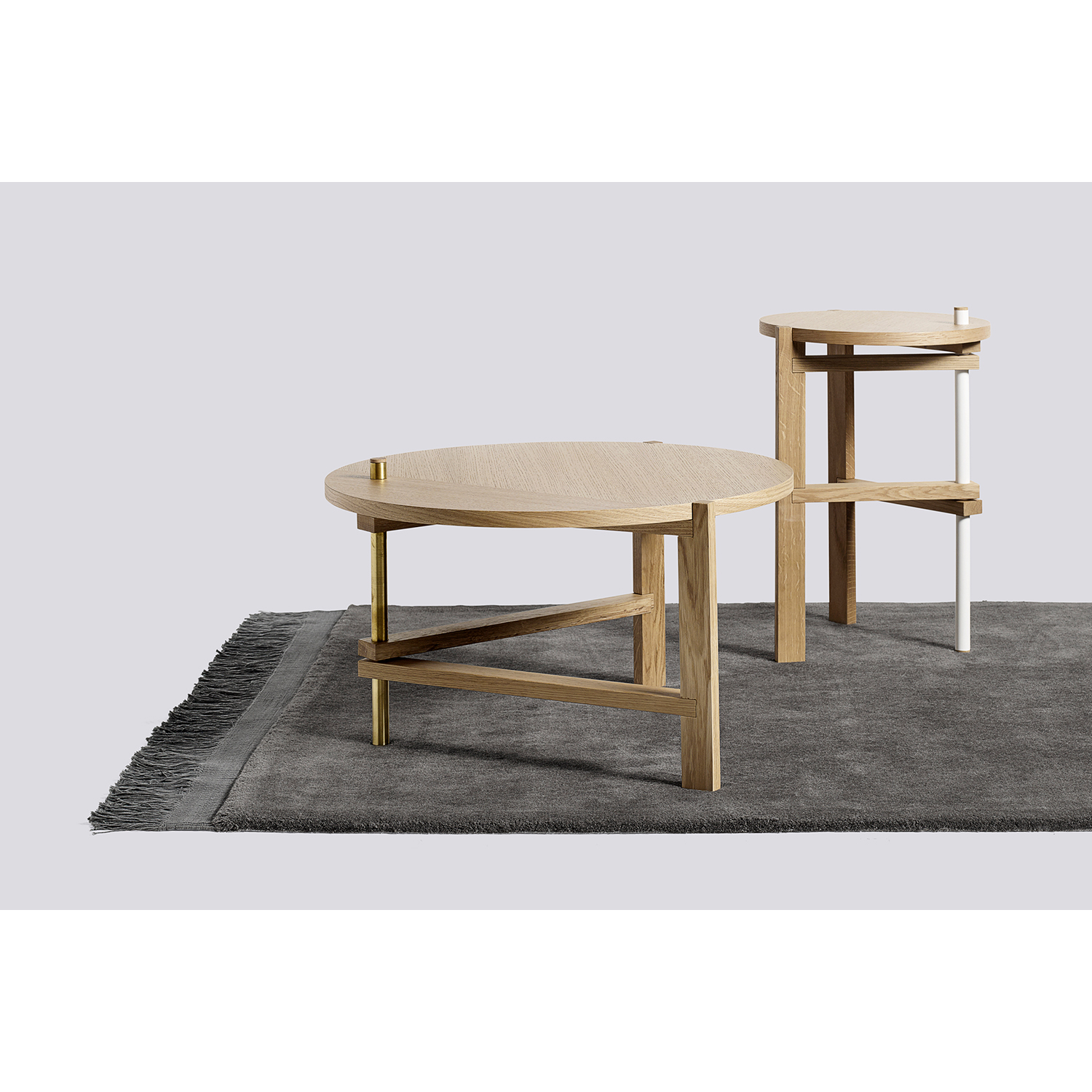 A side table Ø40, ek/vit