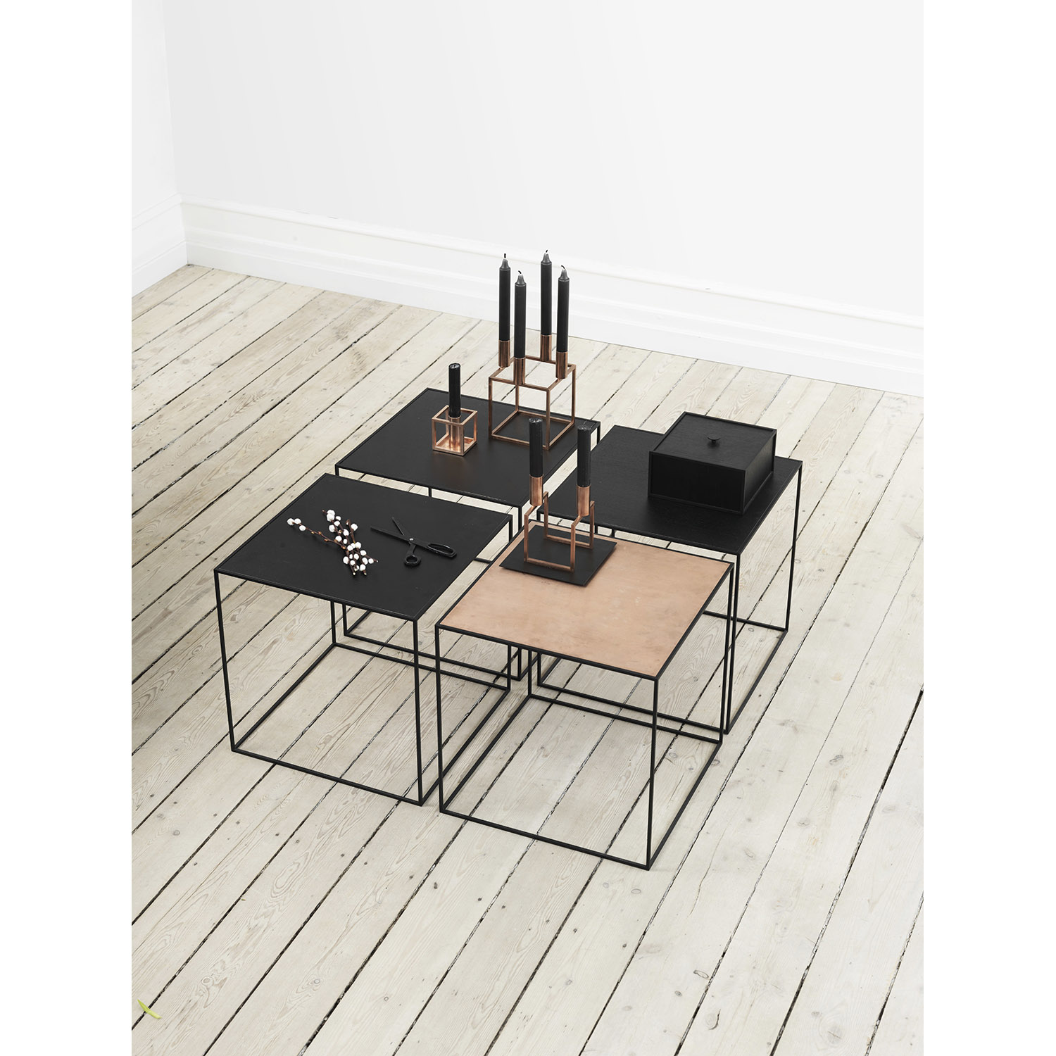 Twin Table 42 sidobord, svart/cool grey