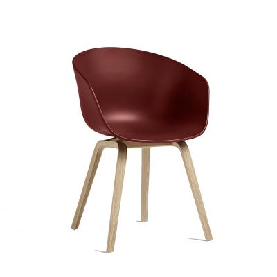 Bild av About a Chair 22, tegel/såpade ekben