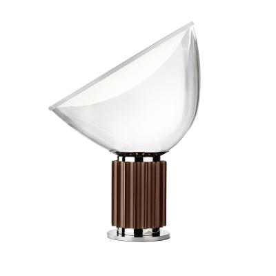 Bild av Taccia LED/PMMA bordslampa, brons/vit