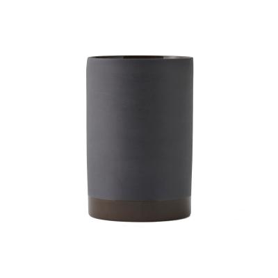Cylindrical vas S, carbon