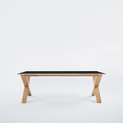 Arc Table 220 svart