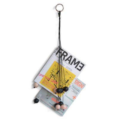 Magazine Hang Out tidningsställ svart