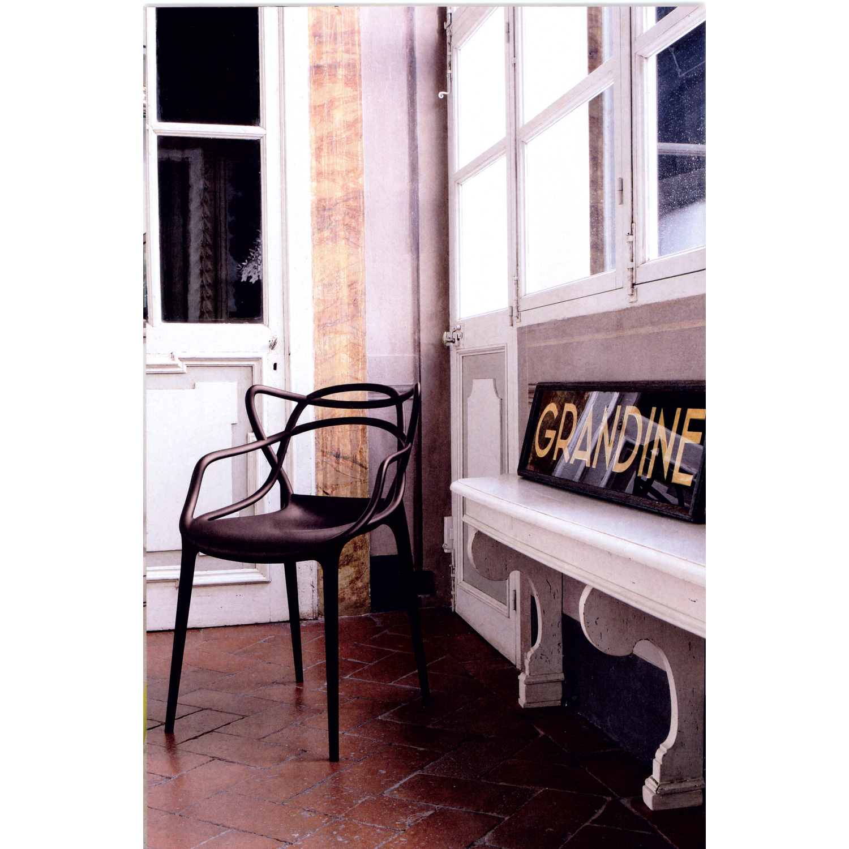 Masters stol, svart fr̴n kartell Рk̦p online p̴ rum21.se