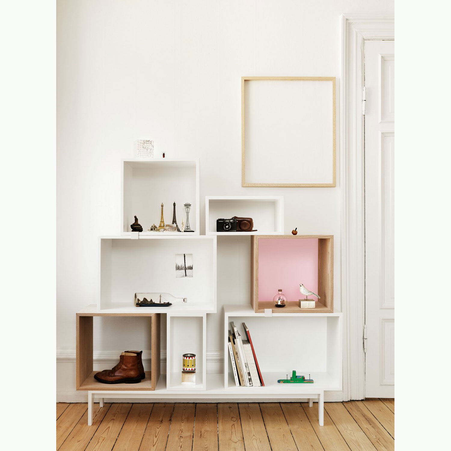 Mini stacked hylla, vit fr̴n muuto Рk̦p online p̴ rum21.se