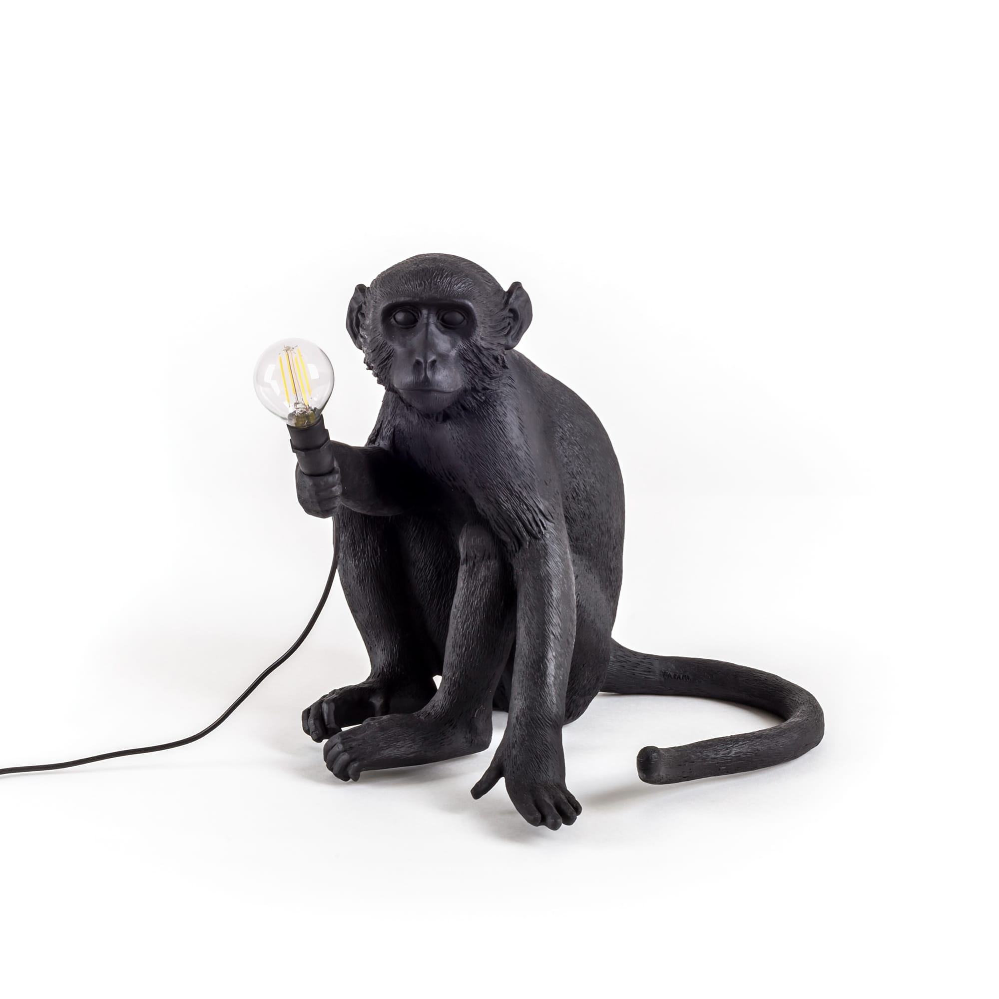 Monkey Lamp Sitting, Vit Seletti @ Rum21.se
